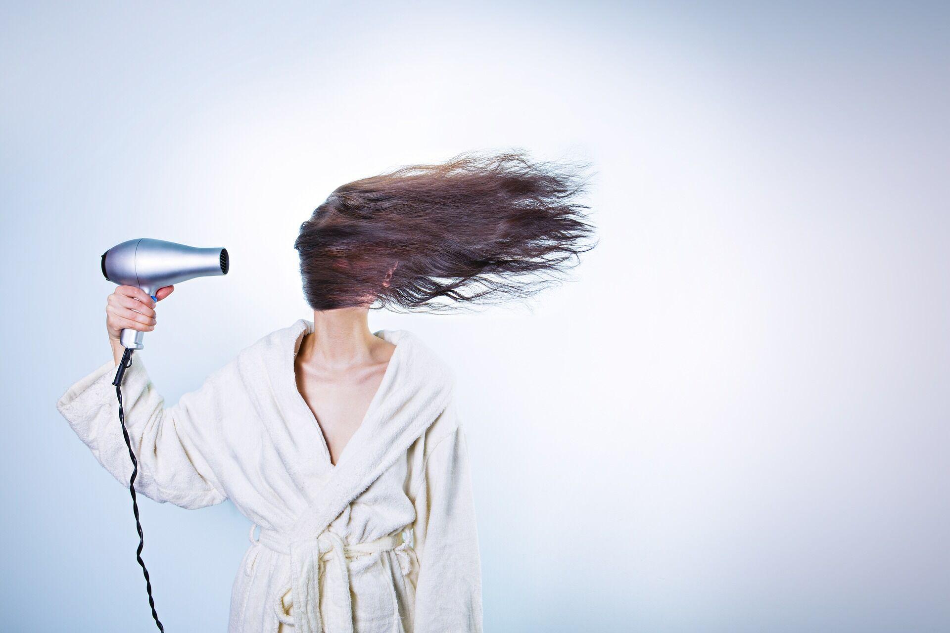 Coiffure : top 13 des meilleurs sèche cheveux Le Parisien