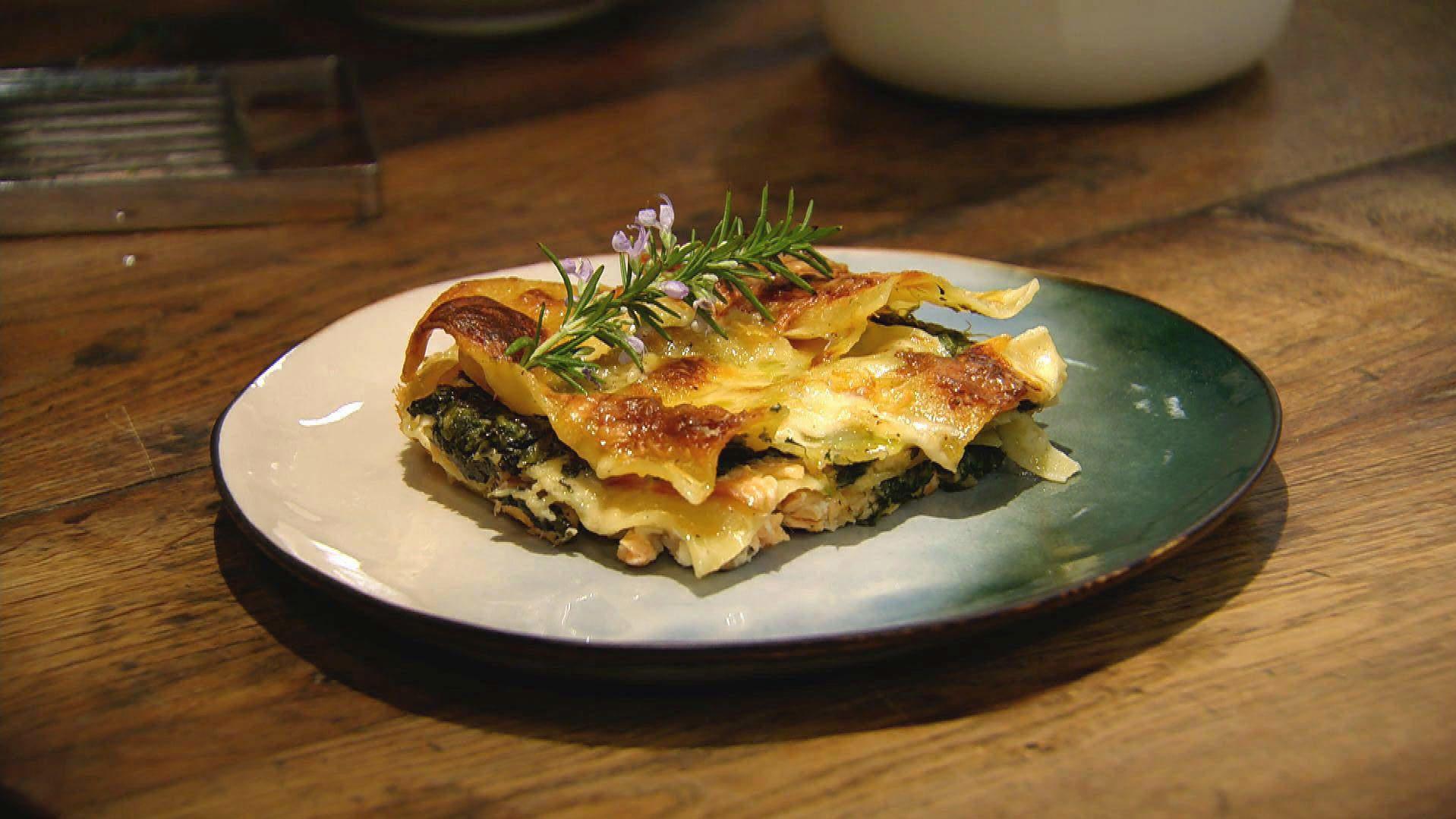 Lachs Spinat Lasagne Das Rezept Aus Essen Trinken Für Jeden Tag