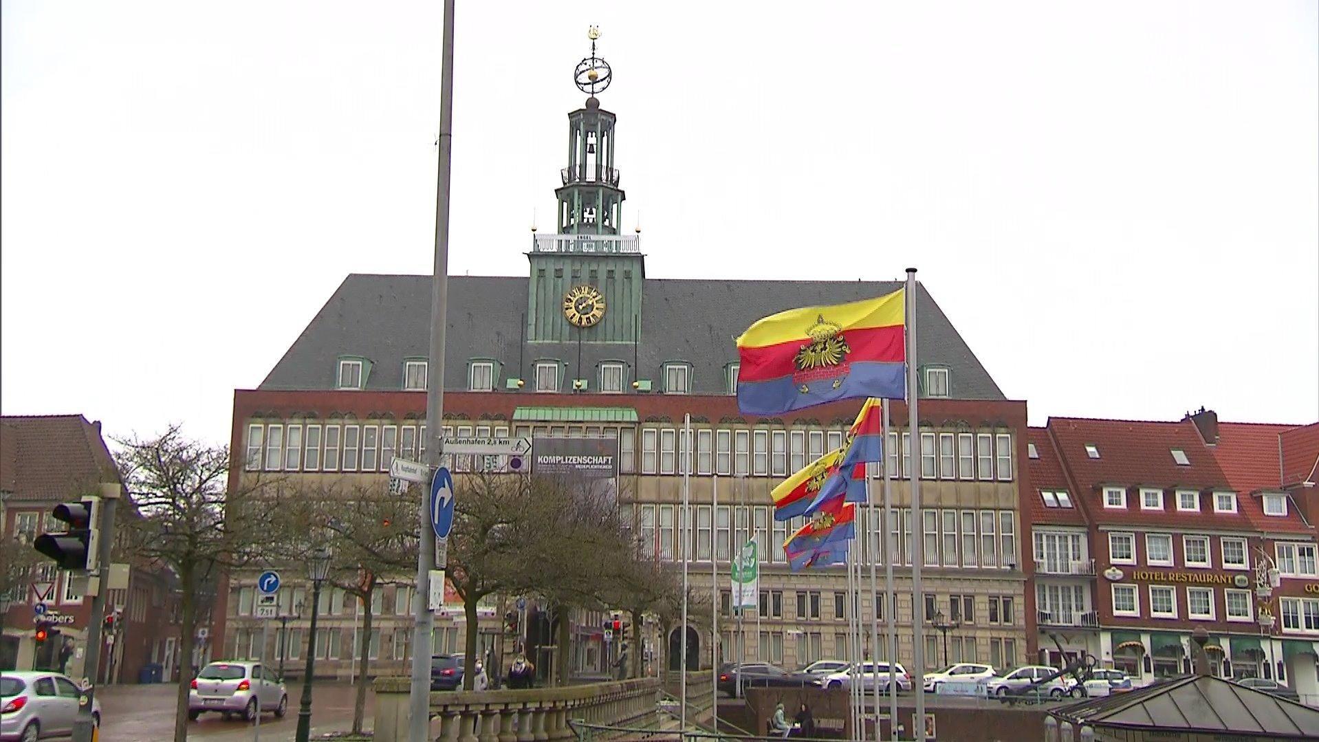 Partnersuche in Emden - Kontaktanzeigen und Singles ab 50