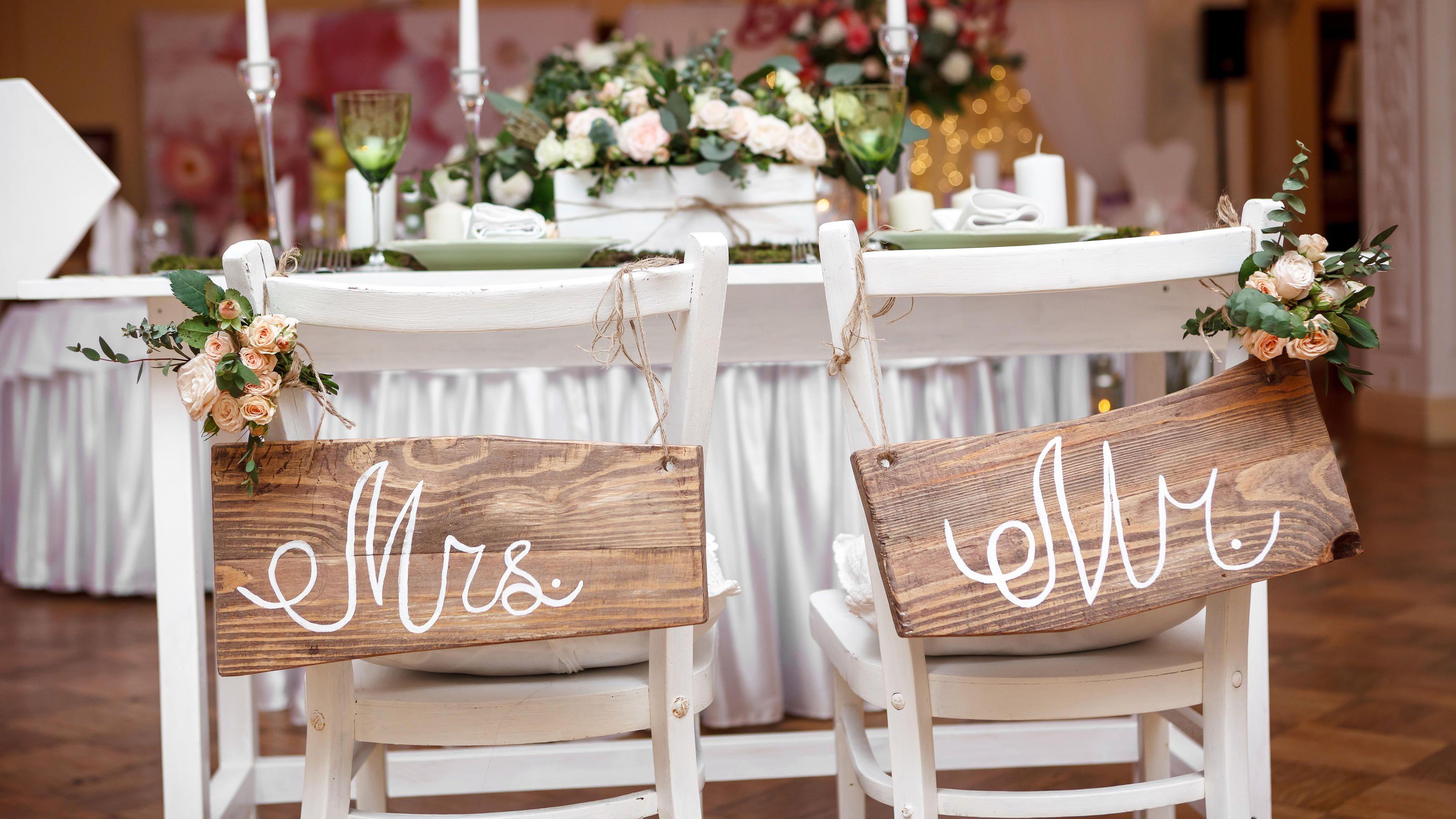 Bunte Sommerhochzeit In Korall Hochzeitsblog The Little Wedding