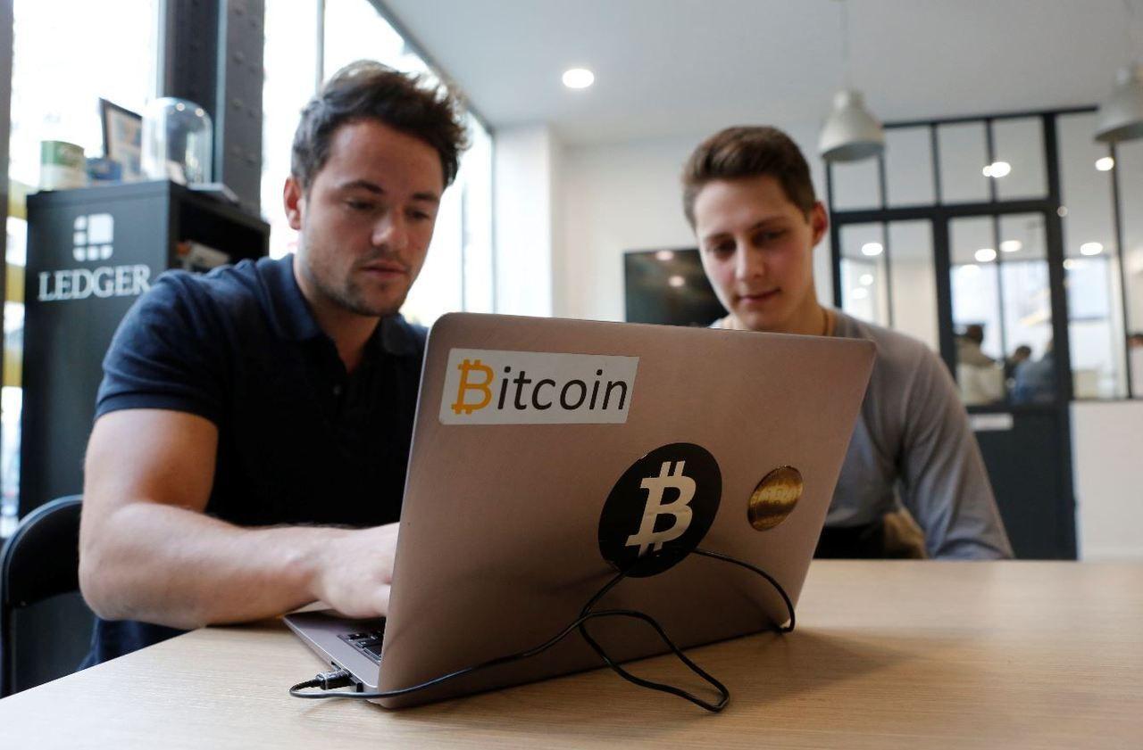 bitcoin sat kodėl bitcoin praranda vertę
