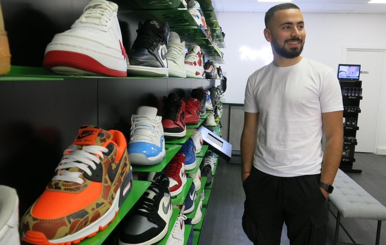 Paris : ce passionné de sneakers veut s'imposer sur le