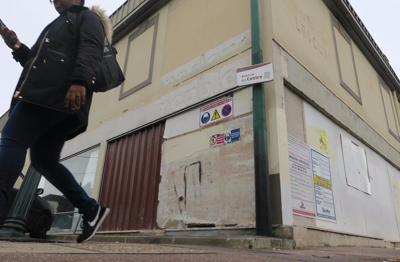Montgeron Bras De Fer Autour Du Tres Convoite Batiment Monsieur Meuble Le Parisien